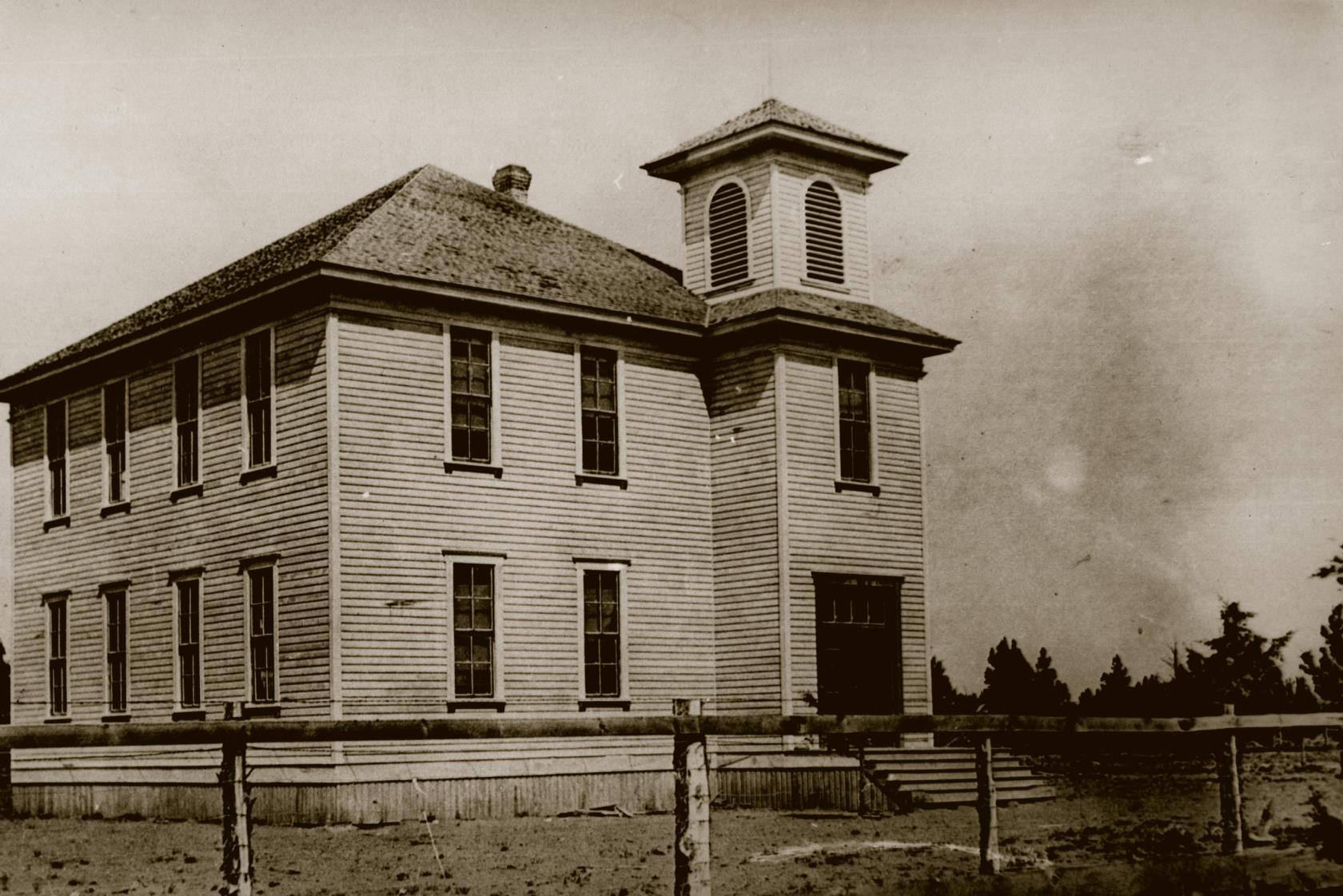 The Redmond schoolhouse was built in 1908 to serve its 700+ residents.