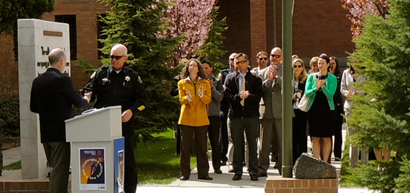 Chief-accepts-Deschutes-County-recognition-for-service-to-Victims-2013