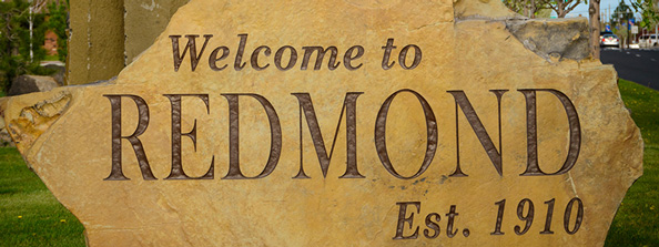 Welcome-to-Redmond-Entrance Sign